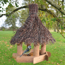 Fa madáretető Sweet home